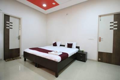 14 Square Bodek Dev, Sarkhej, Gujarat, India