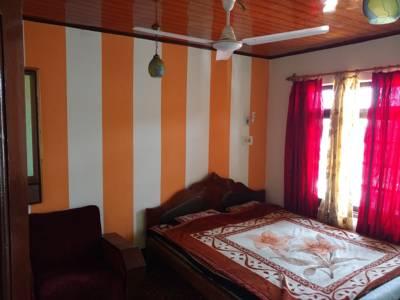Al Amin Homestay, Srinagar, Jammu & Kashmir, India