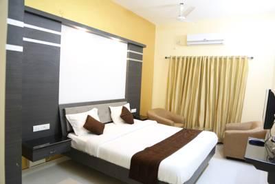 Hotel Pine Tree, Tamil Nadu, Kerala, India