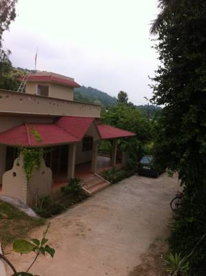 A Cob Cottage, Belparao, Uttarakhand, India