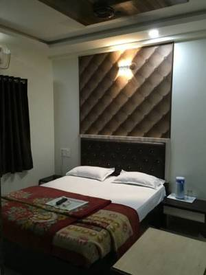 12 Star Garuda, Pune City, Maharashtra, India