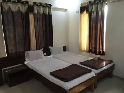 12 Star Service Apartments, Pune City, Maharashtra, India
